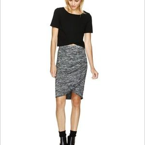 aritzia Wilfred Free Black Ruched Tyra Skirt